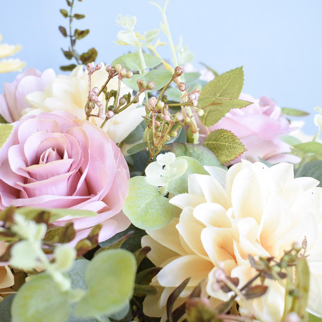 Arranjo de Rosas e Dálias Artificiais no Vaso Rose Gold   Linha permanente Formosinha