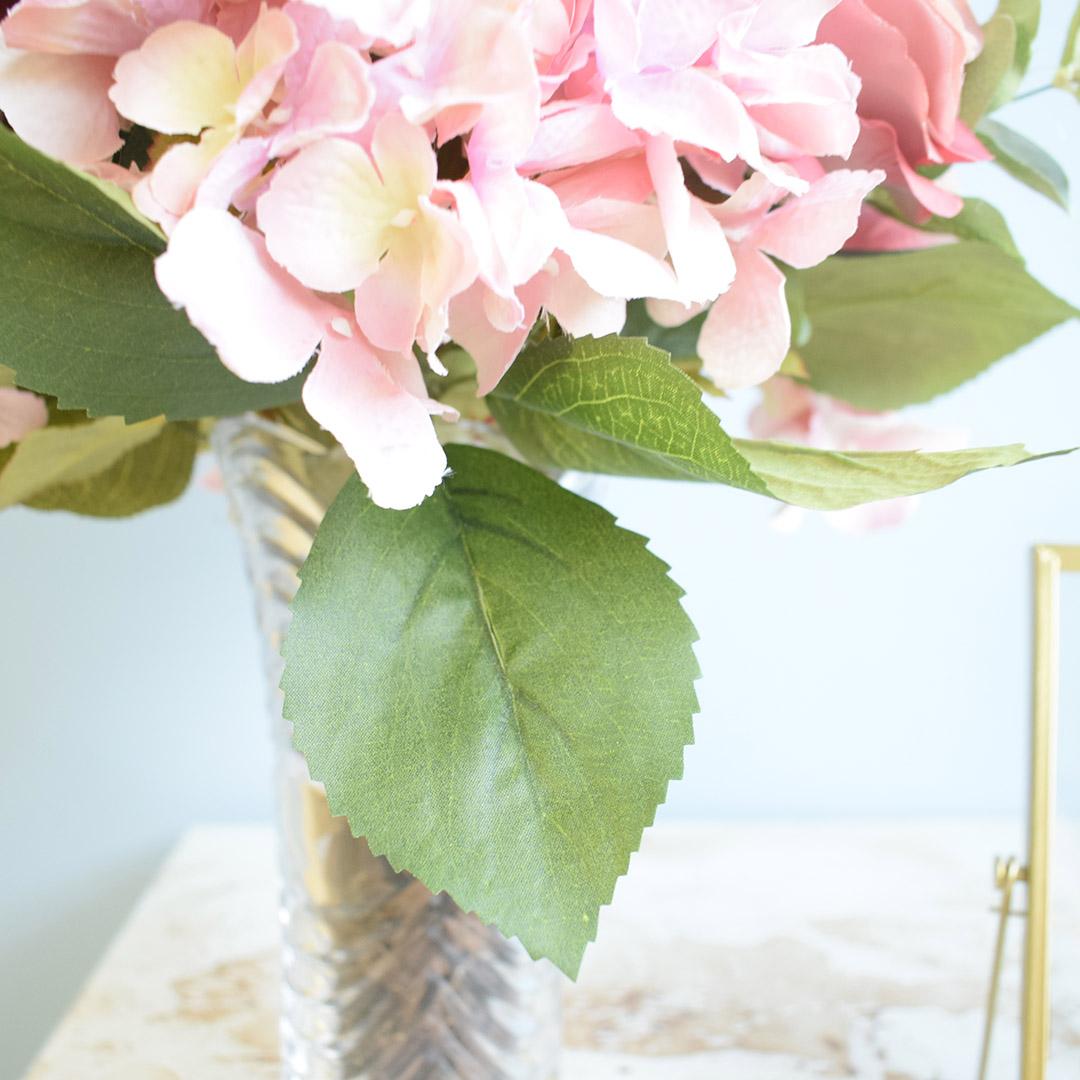 Arranjo de Flores Artificiais Rosas e Hortênsias no Vaso de Vidro |Formosinha