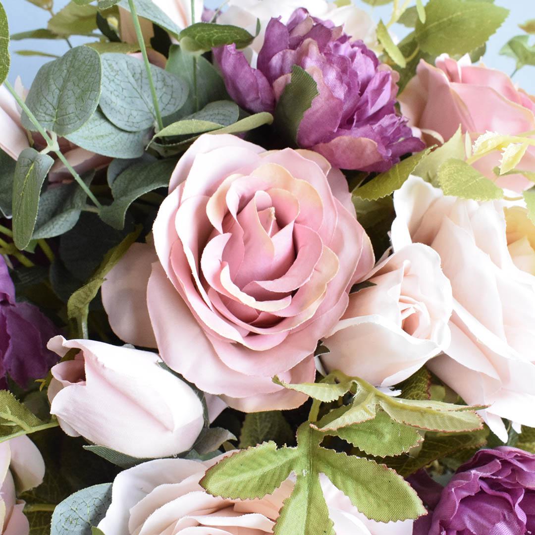 Arranjo de Rosas Rosa e Peônias no Vaso de Vidro Preto Fosco  Linha Permanente Formosinha