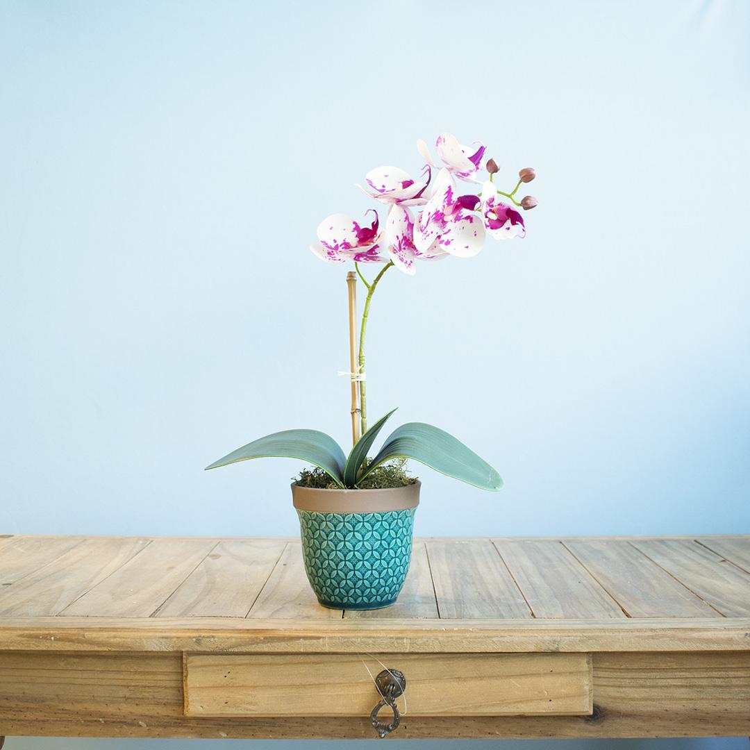Arranjo de Flor Artificial Orquídea Tigre no Vaso Azul Turquesa| Linha Permanente Formosinha