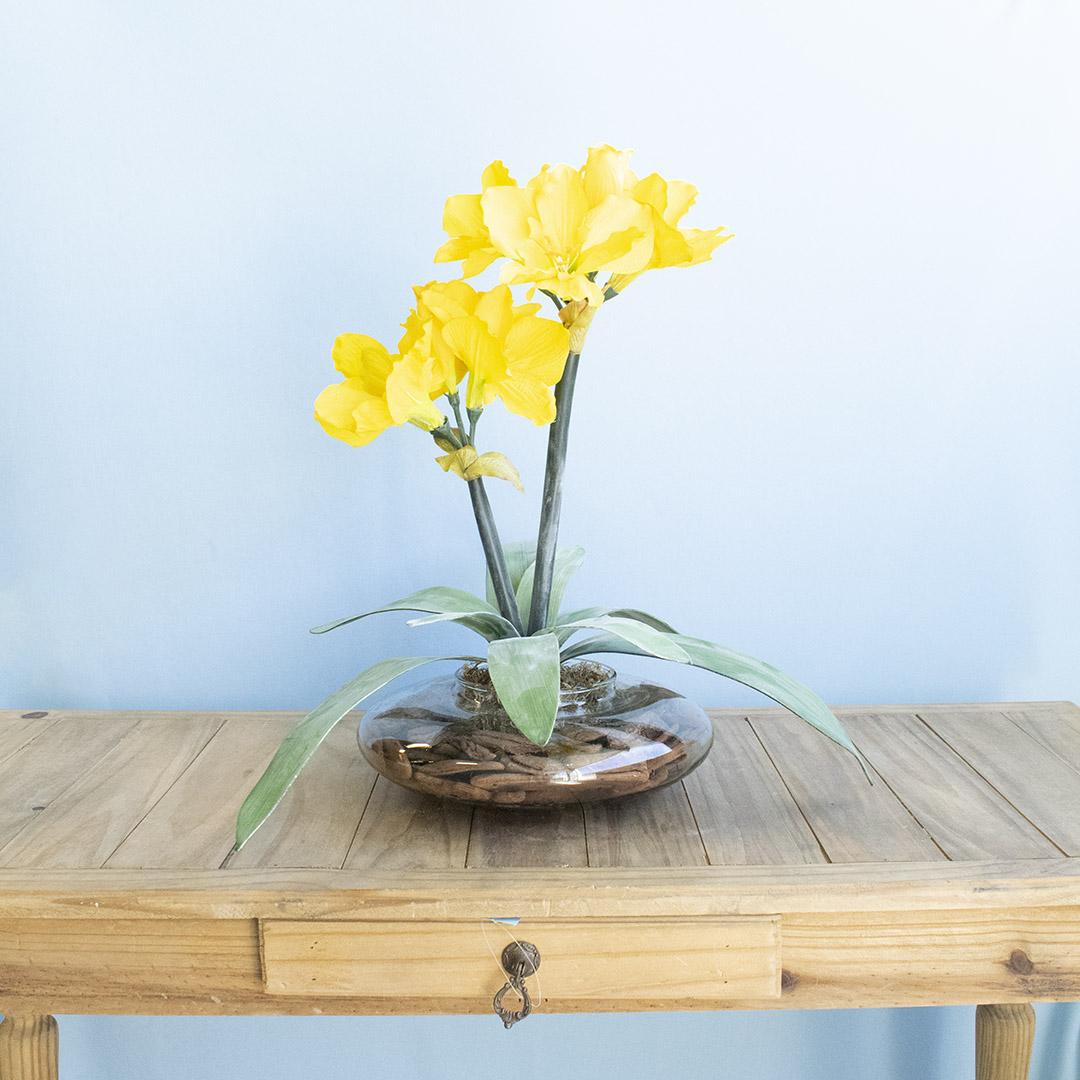 Arranjo de Flor Artificial Amarílis Amarelo no Vaso de Vidro | Formosinha
