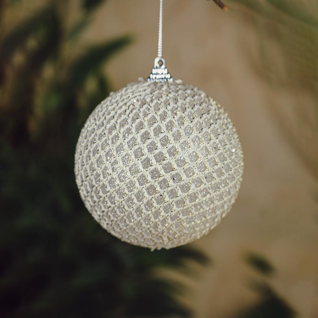 Bola de Natal Renda Branca e Dourada 10cm - Caixa com 3 Unid   Formosinha