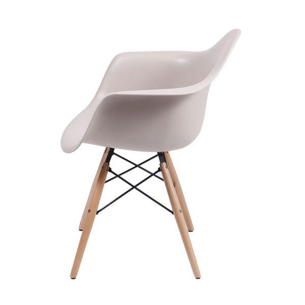 Cadeira Eames com Braço Fendi