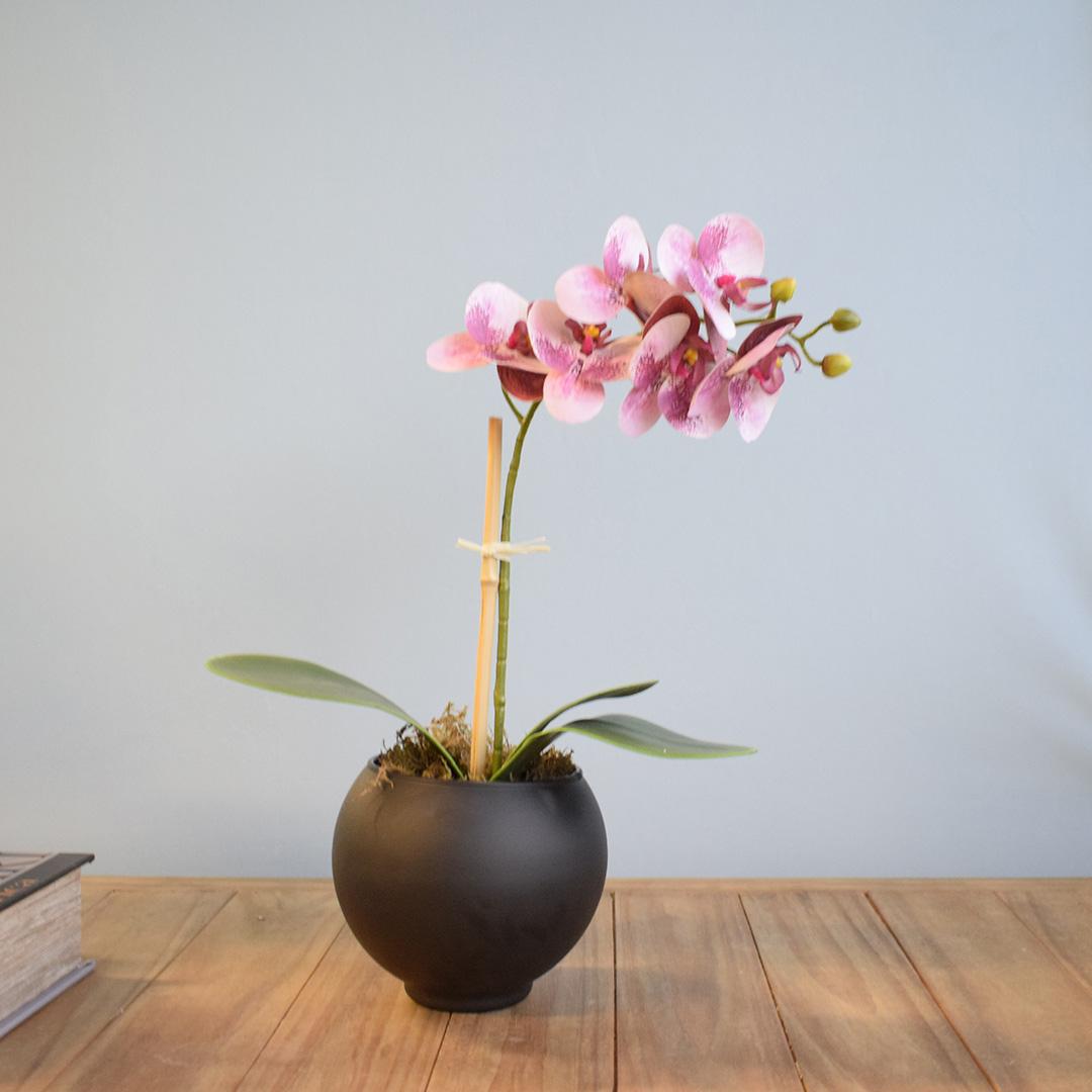 Flor Artificial Arranjo de Orquídea Rosa 3D no Vaso de Vidro Preto Fosco | Formosinha