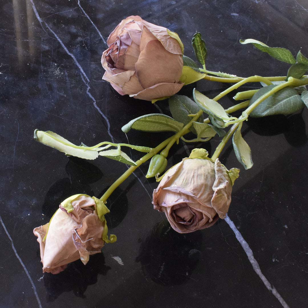 Haste de Rosas Envelhecidas Artificial   Linha Permanente Formosinha