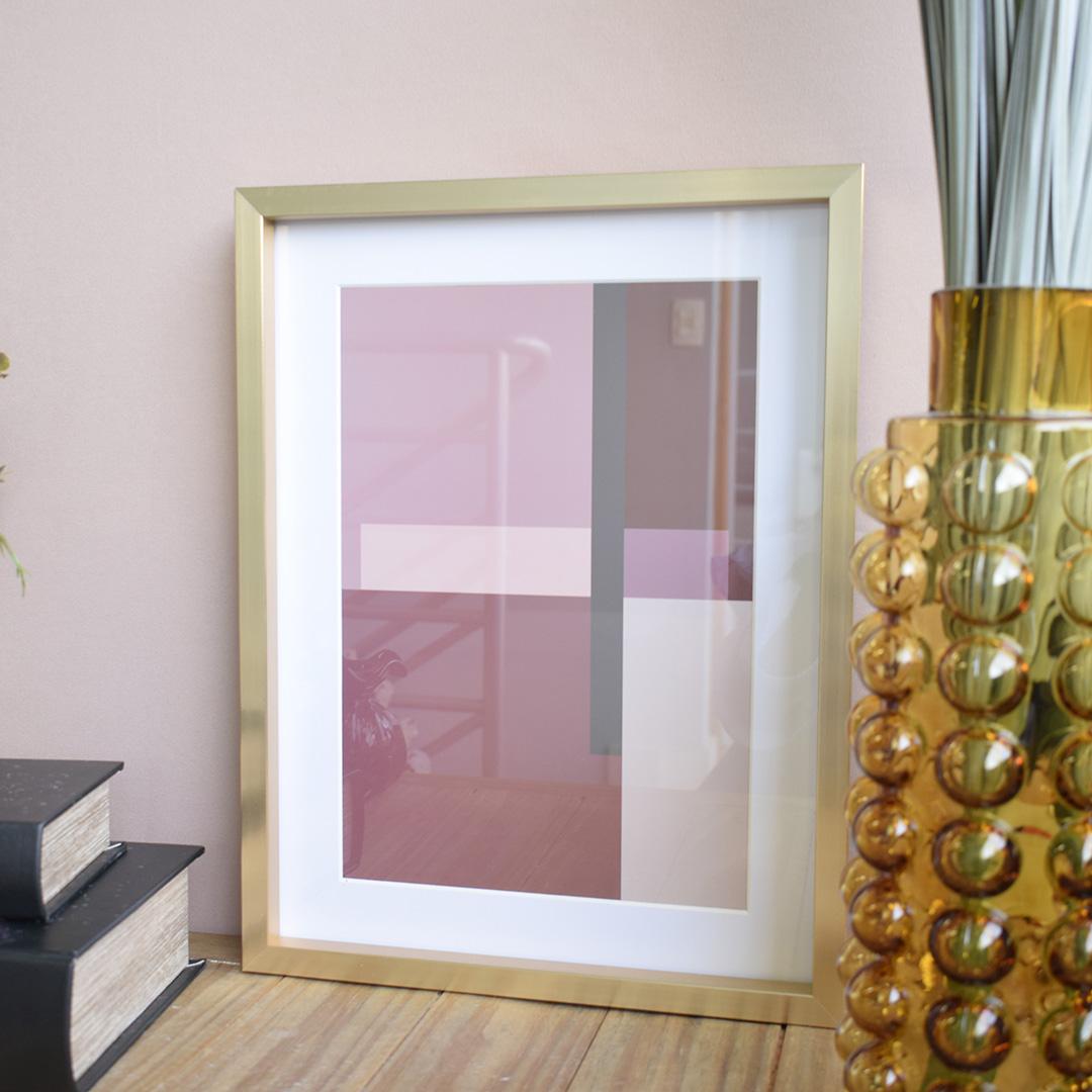 Kit Com 2 Quadros Abstratos Com Moldura Dourada