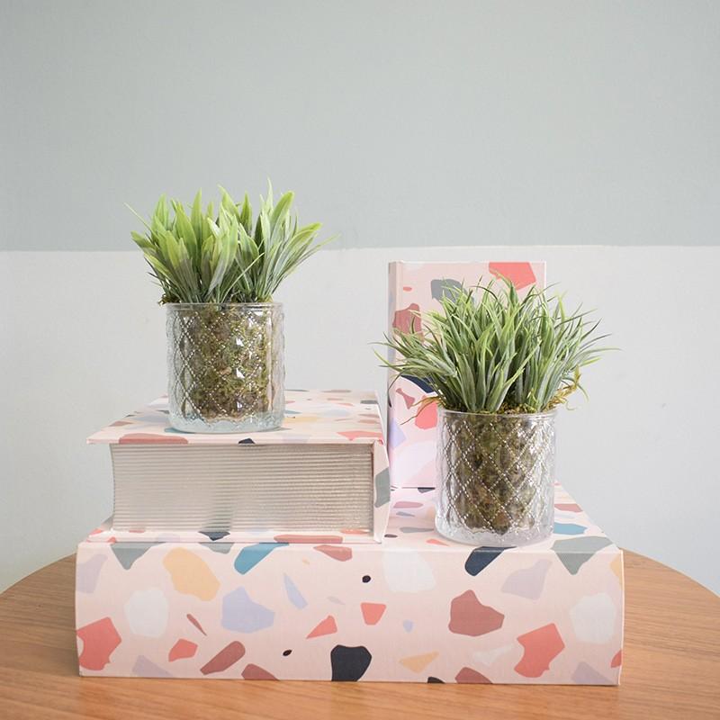 Kit com Dois Arranjos de Folhagem Artificial no Vaso de Vidro |Linha permanente Formosinha