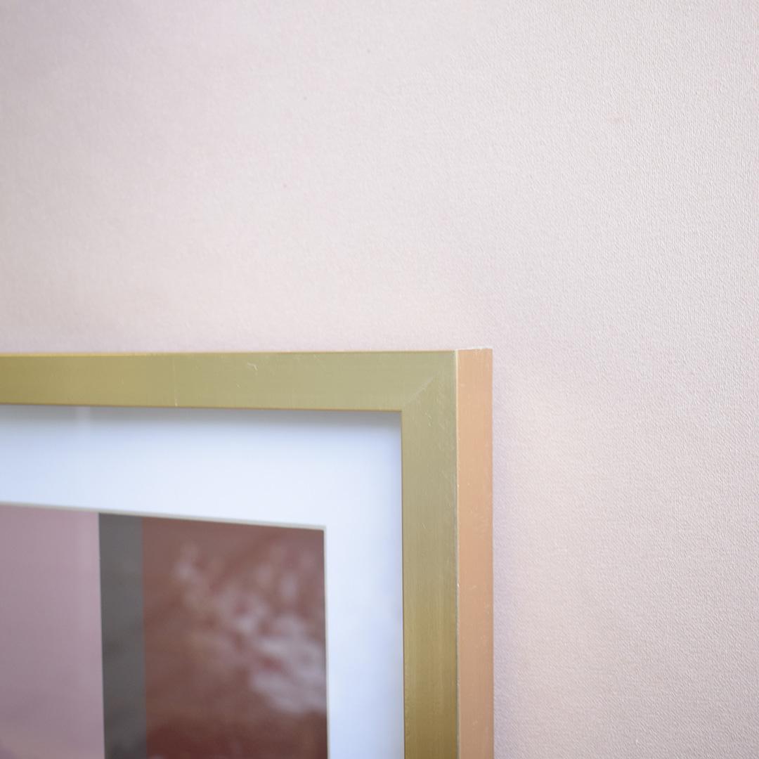Quadro Abstrato Moldura Dourada Com Vidro 42x32cm
