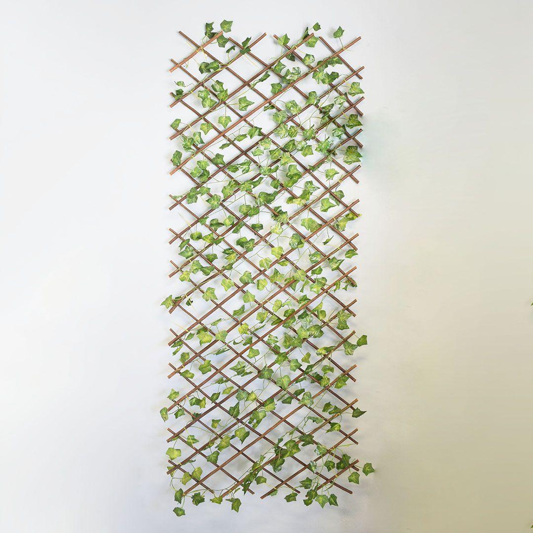 Treliça de Madeira com Folhagem para Muro Verde Permanente