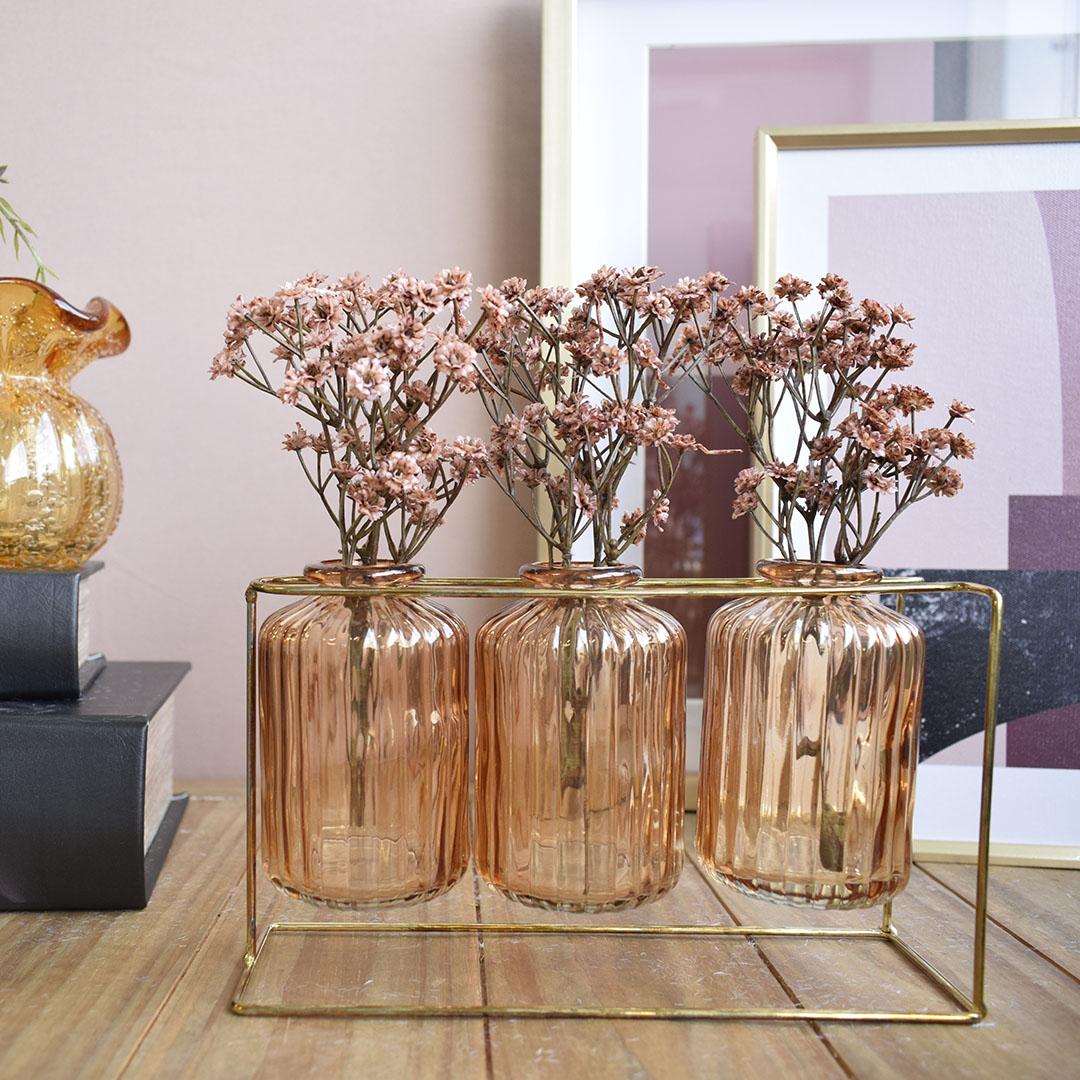 Vasos de Vidro Garrafinhas Âmbar no Suporte de Metal Dourado   Linha Decorações Formosinha