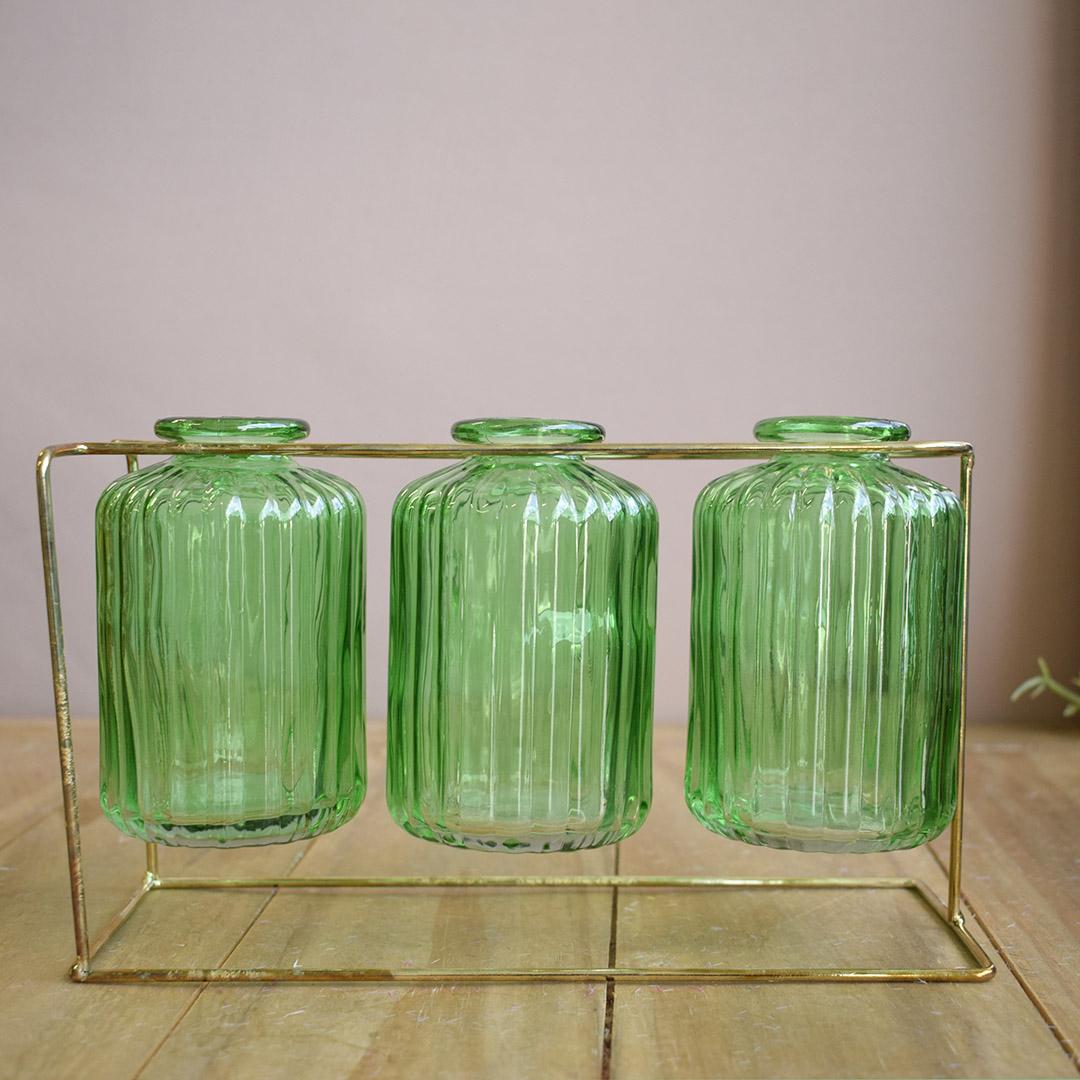 Vasos de Vidro Garrafinhas Verde no Suporte de Metal Dourado | Formosinha