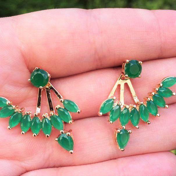 Brinco banhado a ouro Ear Jacket com pedra cristal e navete verde esmeralda