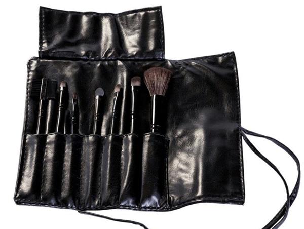 Kit 7 Pincéis Preto Para Maquiagem Com Estojo Cerdas Macias