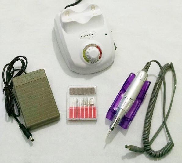 Lixa Elétrica Nail Master 20.000 Rpm Bivolt Cor Branca