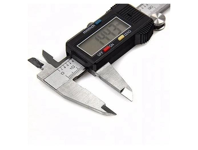 Paquímetro Digital Em Aço Inox Profissional 150mm + Estojo
