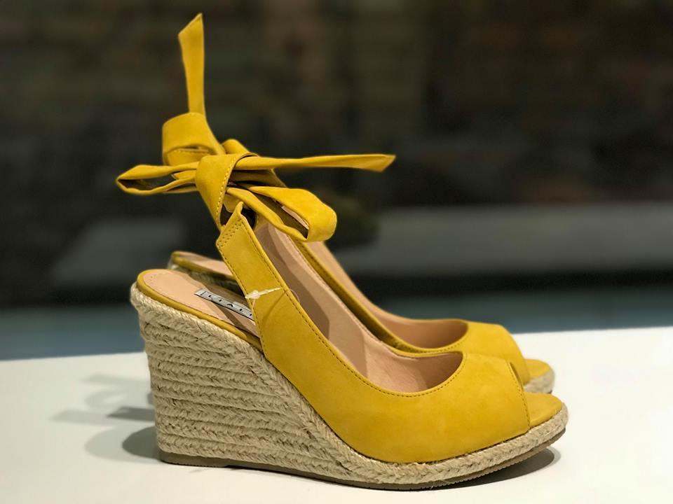 Anabela de Nobuck Amarelo com Amarração Lia Line