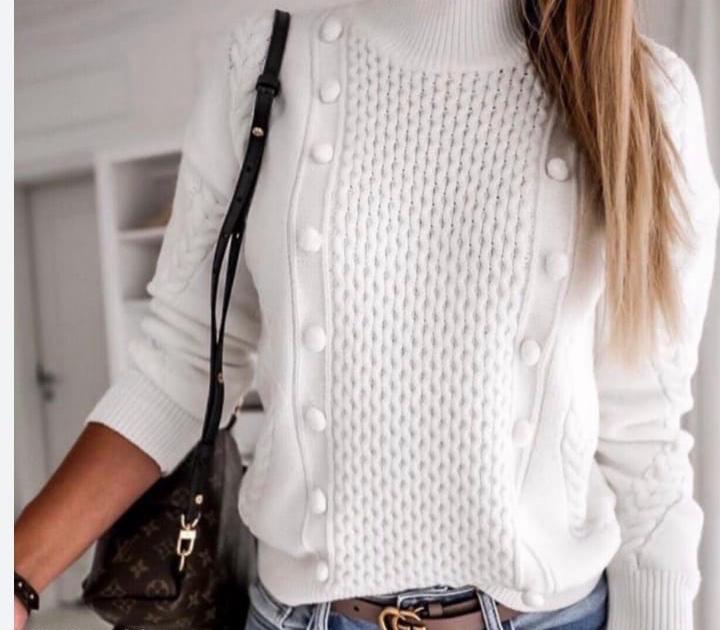 Blusa de Tricô Branca com Detalhe de Bolinha