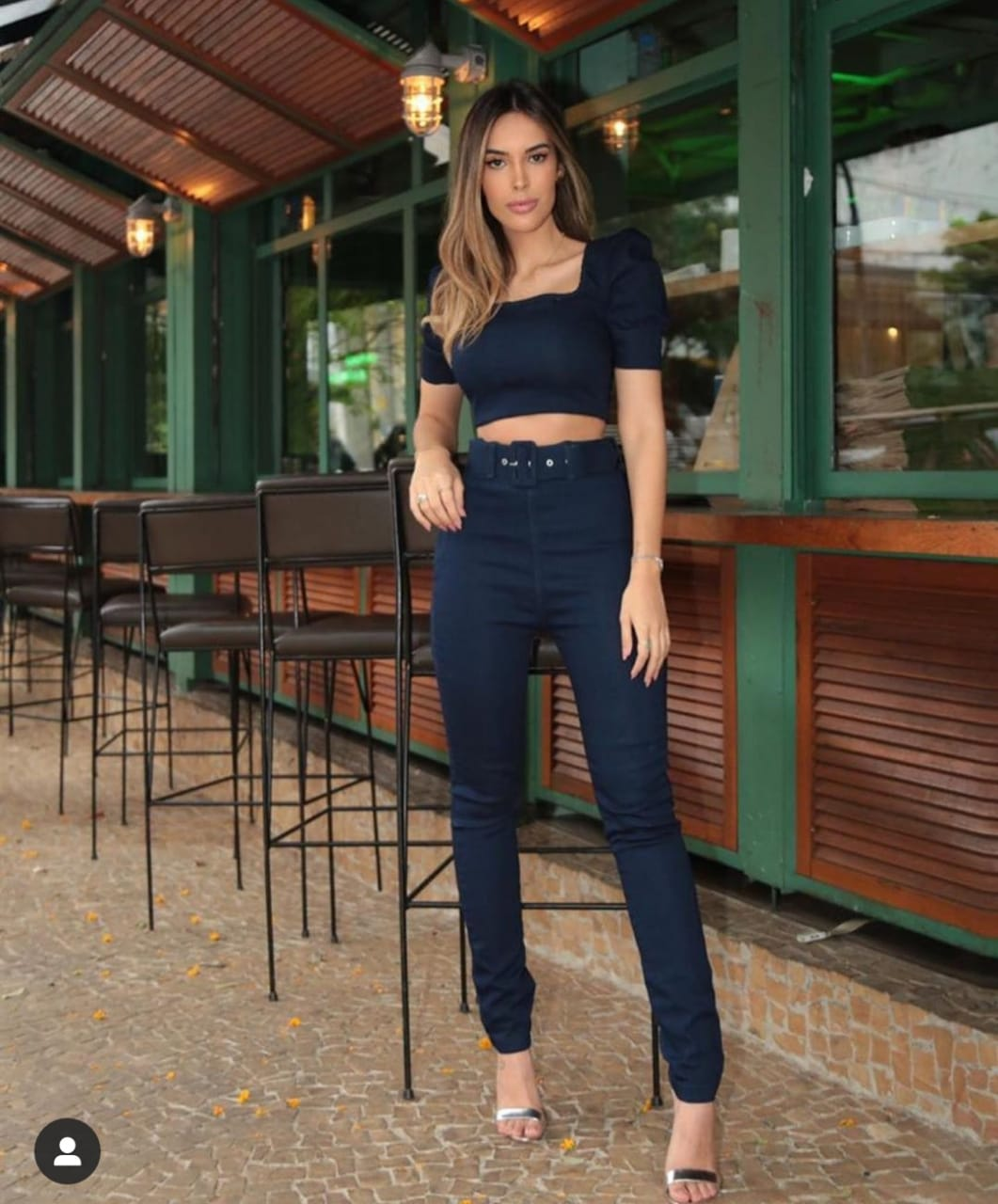 Calça Skinny Jeans Escuro com Cinto