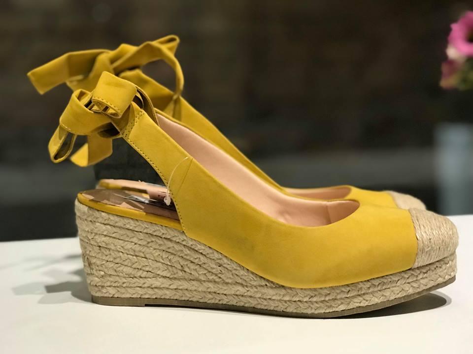 Espadrille de Nobuck Amarelo com Amarração Lia Line