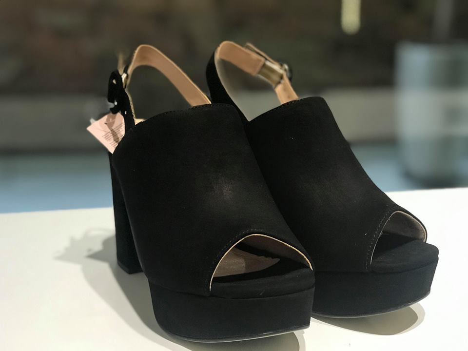 Sandal Boot de Couro Nobuck Preto Lia Line