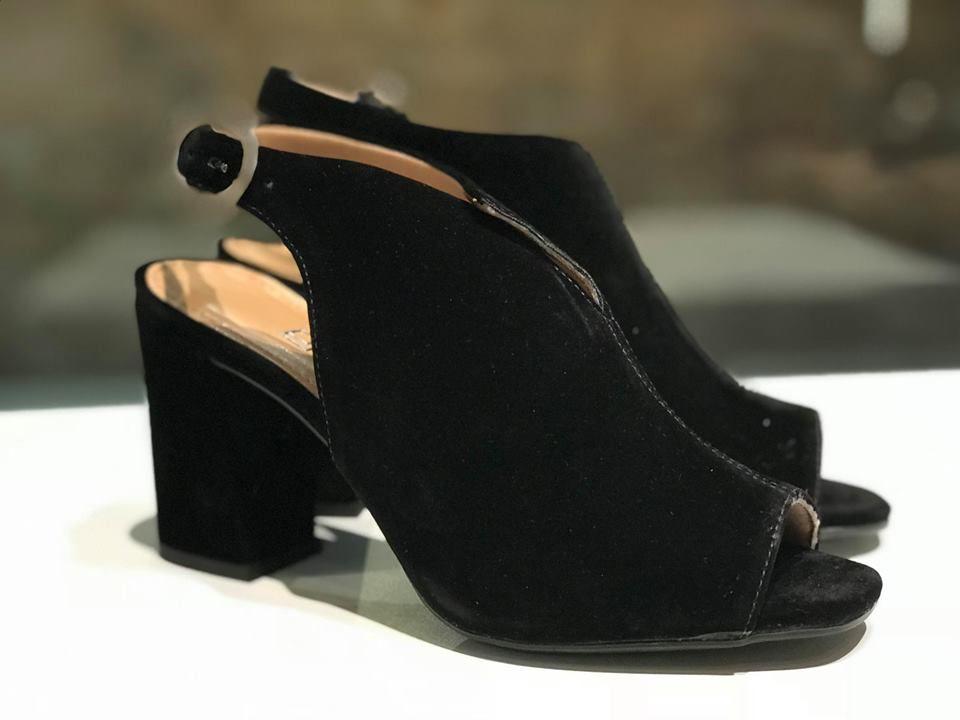 Sandal Boot de Nobuck Preta Offline