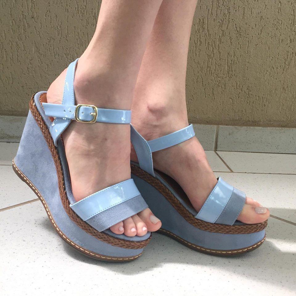 Sandália Anabela de Suede Azul Claro Zatz