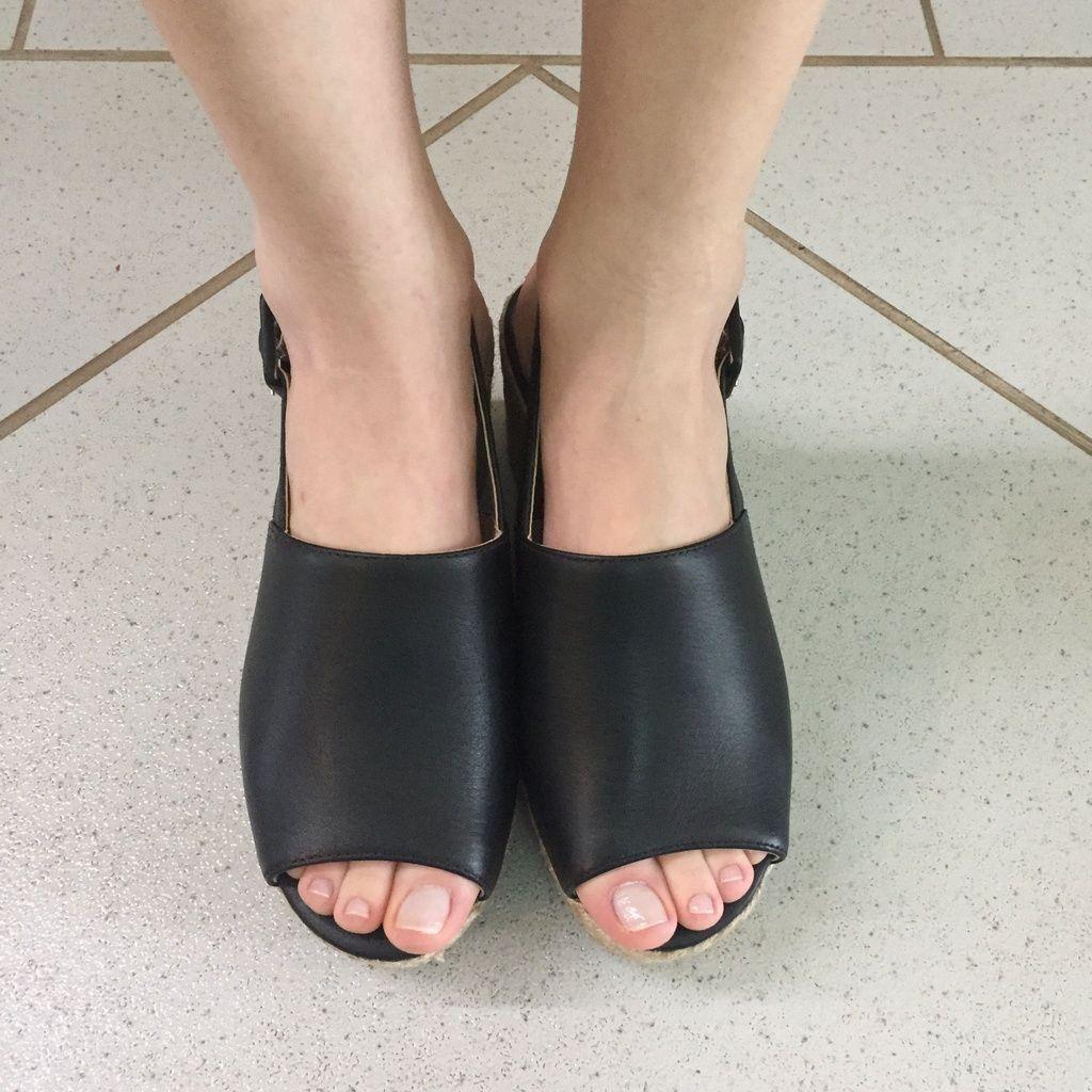 Sandália Anabela Preta com Salto de Corda Lia Line