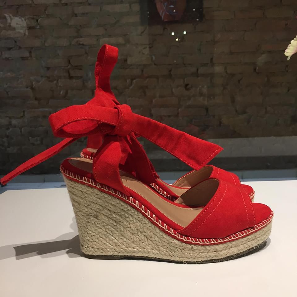 Sandália Anabela Vermelha com Amarração Azillê