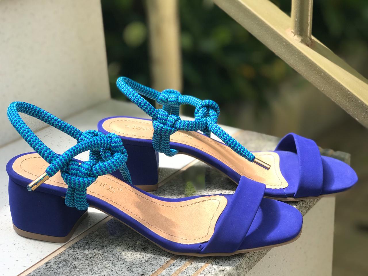Sandália Azul com Detalhe de Amarração Suzana Santos
