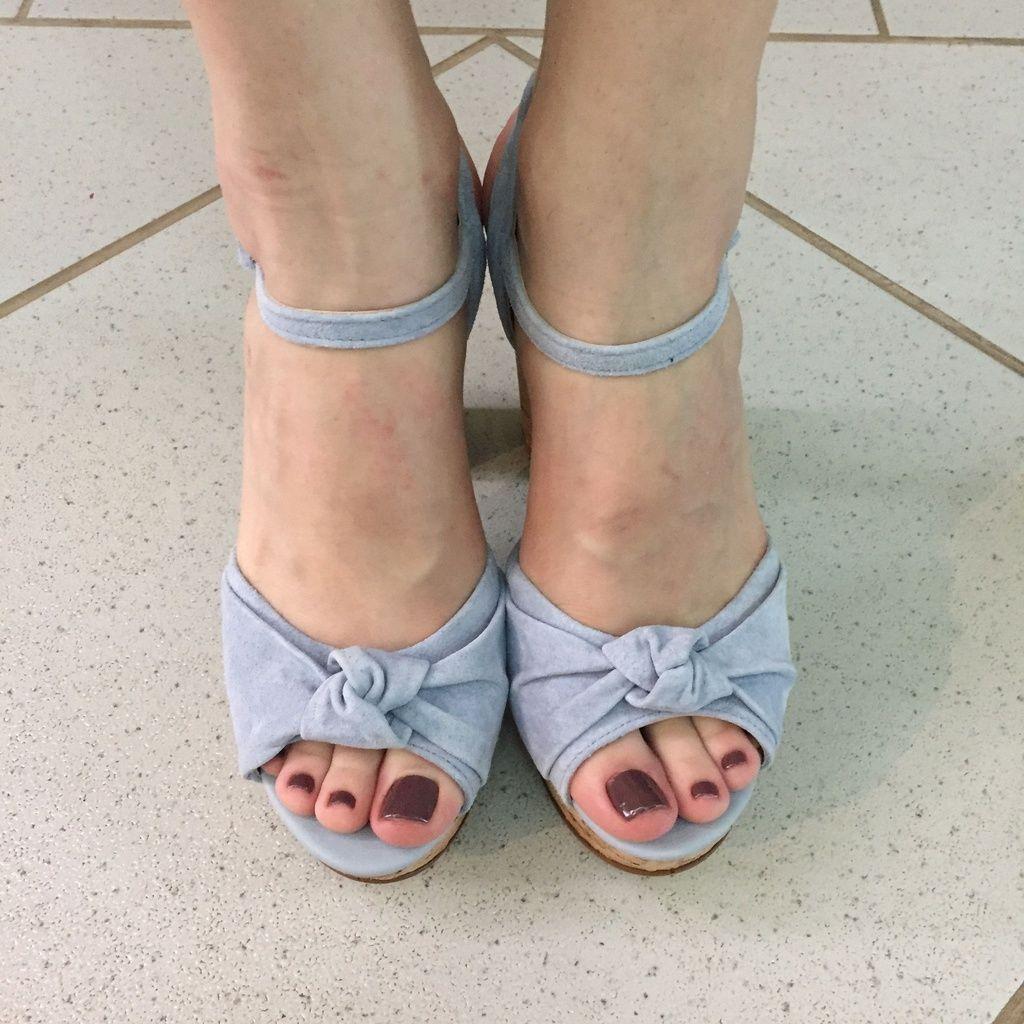 Sandália Meia Pata Azul Claro com Salto Cortiça Lia Line