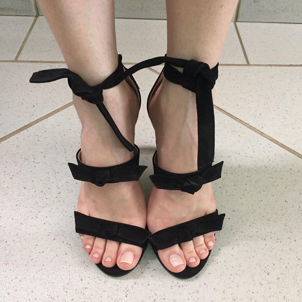 Sandália Preta com Laços Lia Line