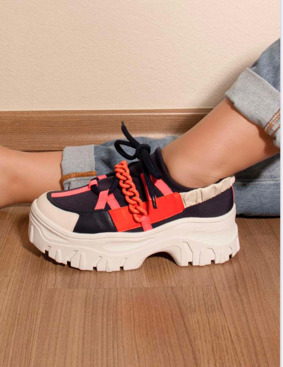 Tênis Chunky Sneaker com Correntes Suzana Santos