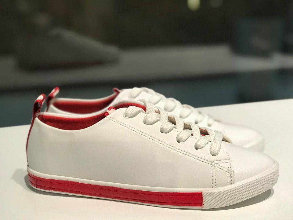 Tênis de Napa Branco com Detalhe de Gorgurão Vermelho Sua Cia