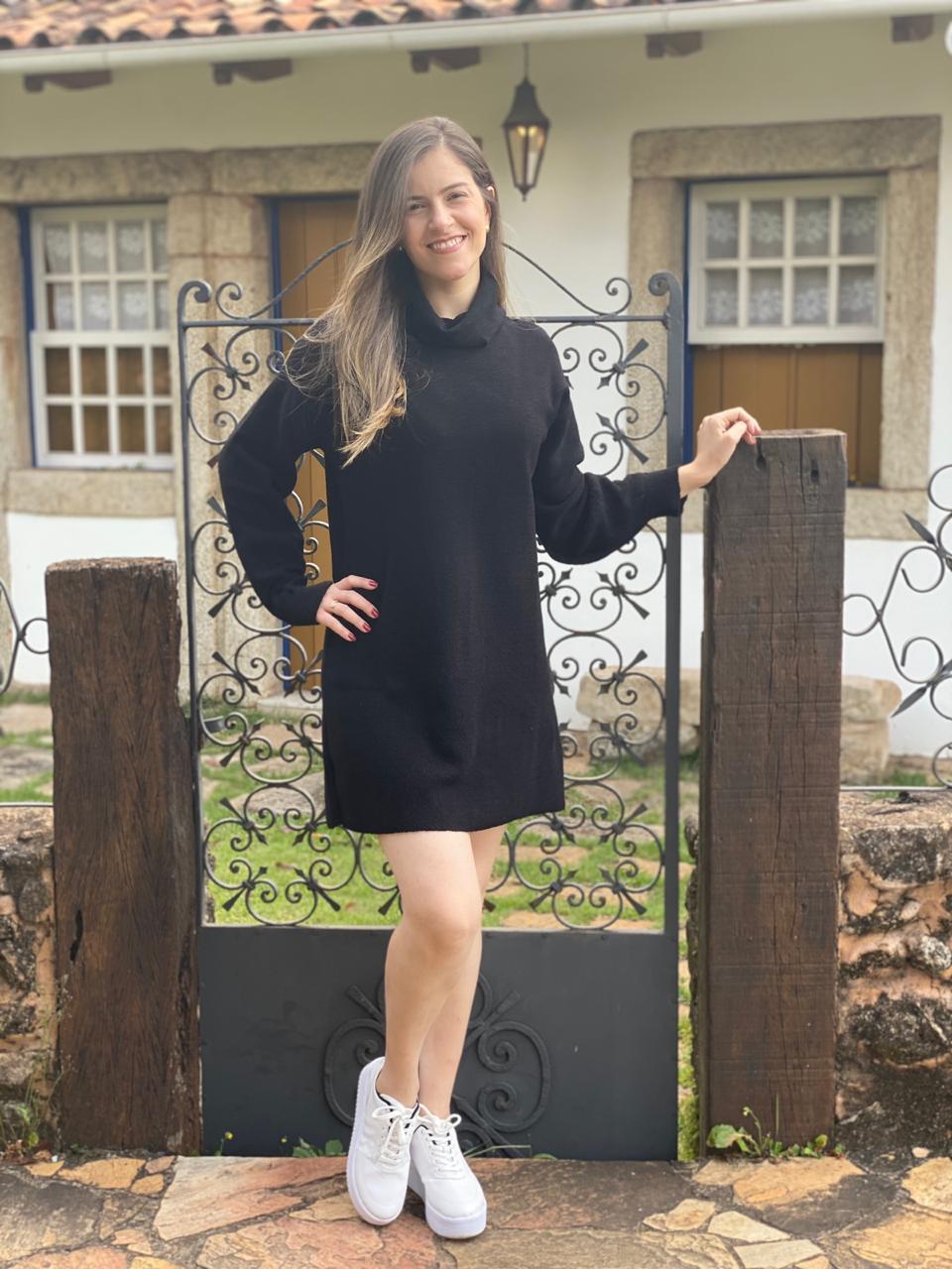 Vestido Curto Tricot Manga Longa Gola Alta Feminino Preto