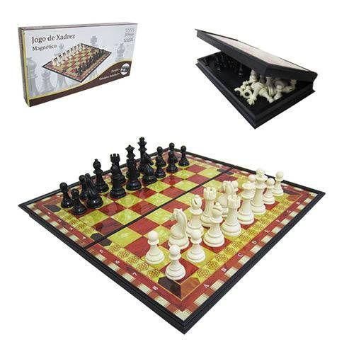 Jogo de Xadrez Imantado com 32 peças  31,5 cm