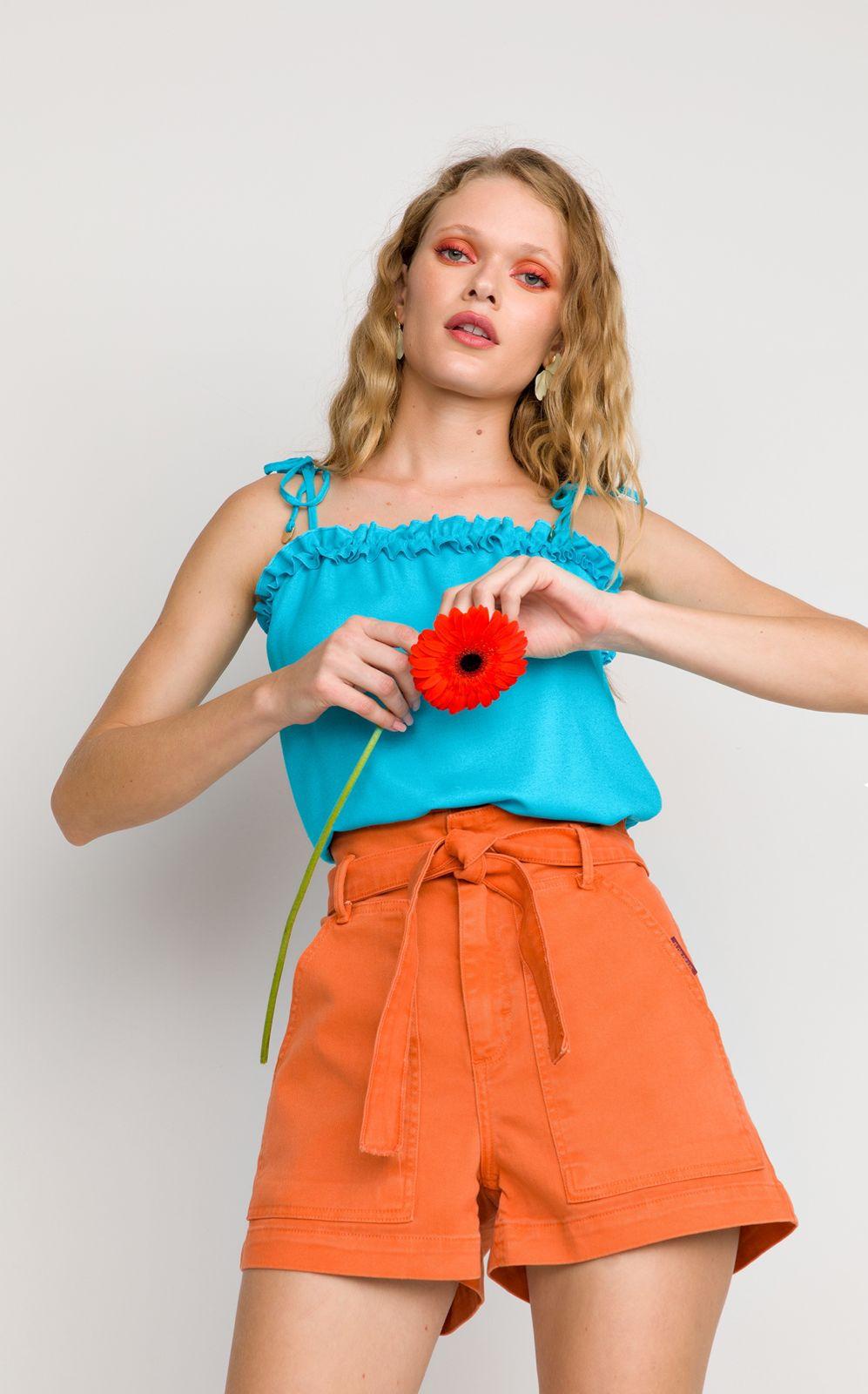 Blusa  Flor de Lis alça fru-fru frente