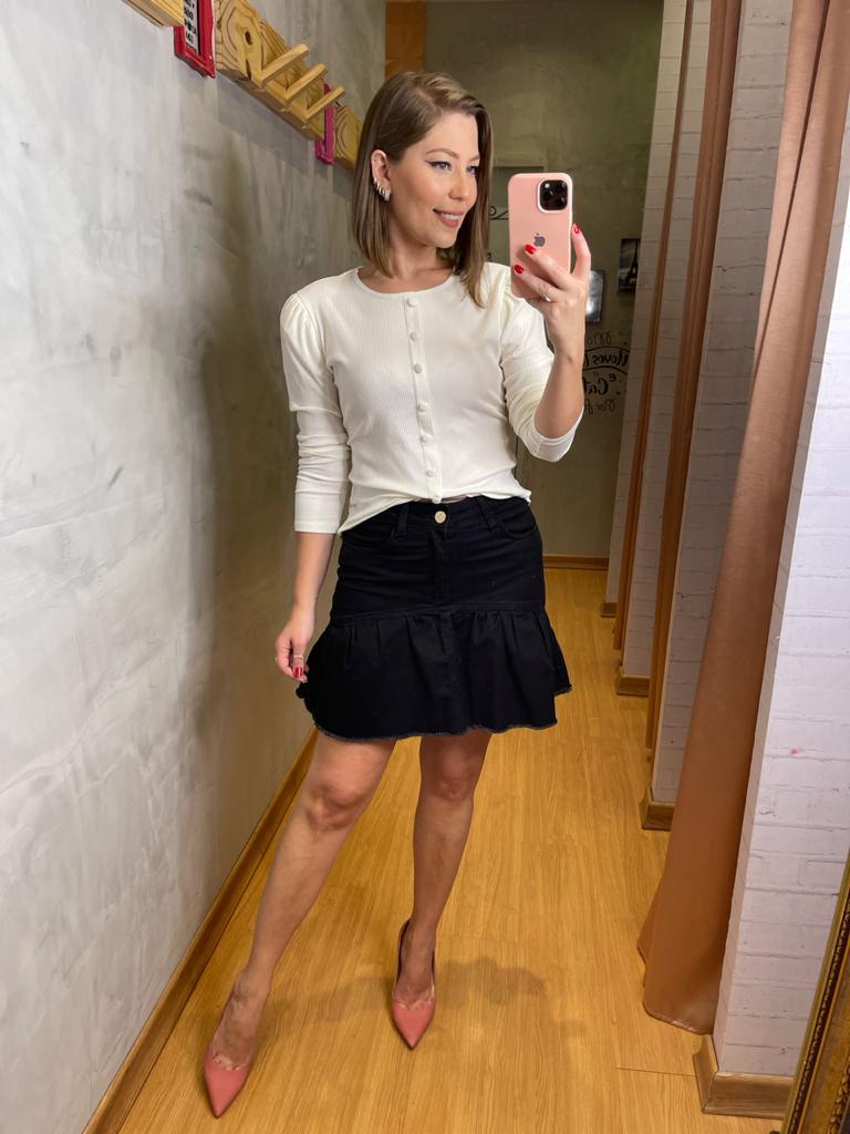 Blusa Sly canelada botões mangas ombreira