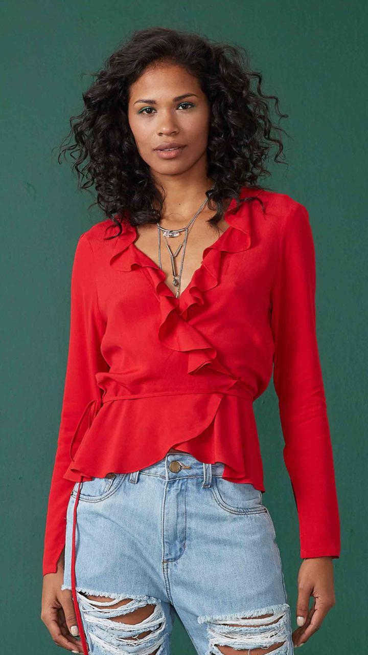 75f3f5ed5 roupas blusa suede c recorte decote off white