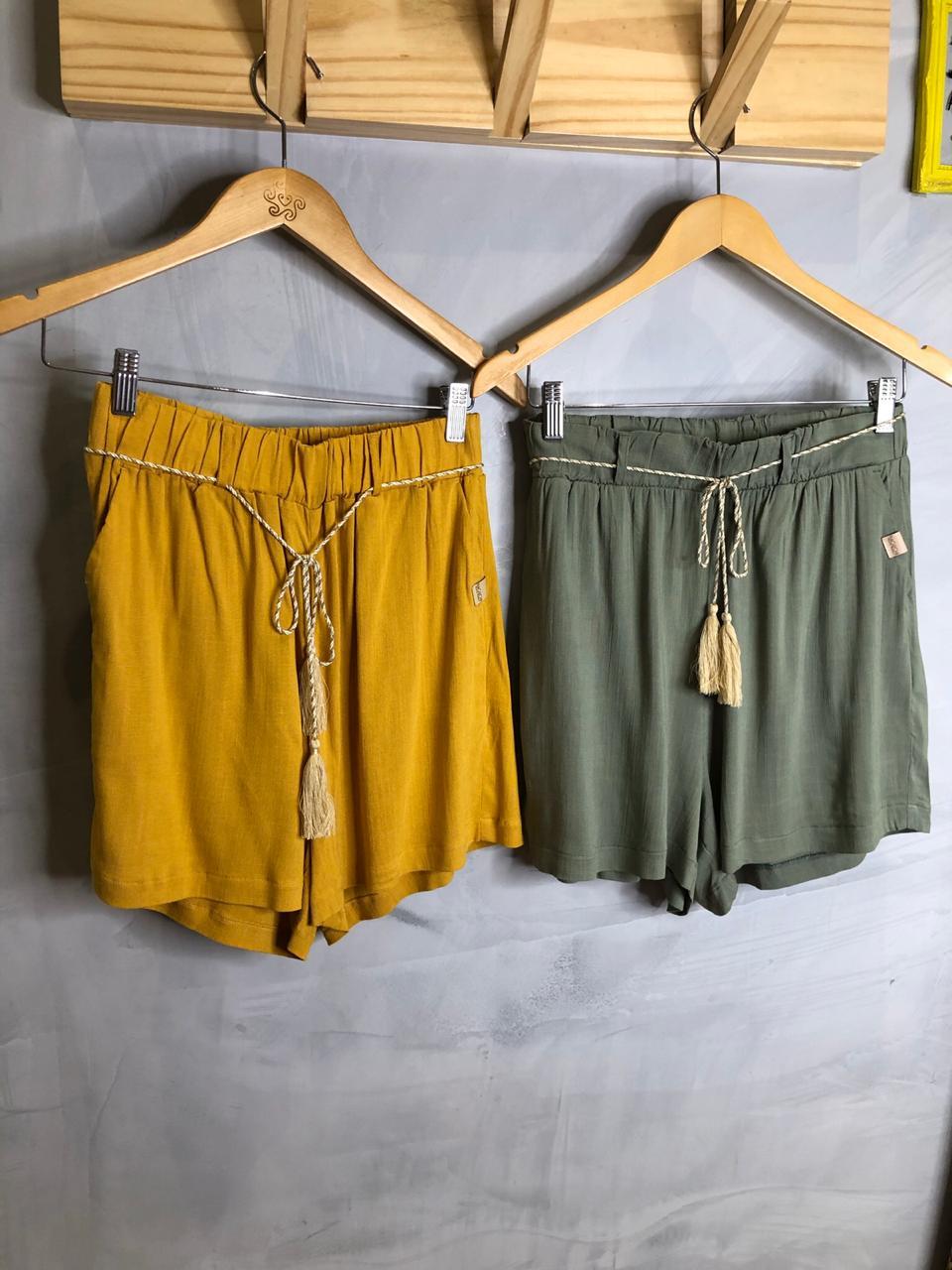 Short naguchi tecido com cinto corda