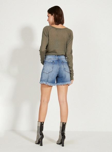 Short Open jeans com barra desfiada