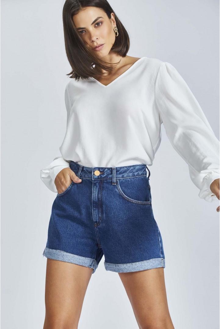 Shorts Flor de Lis Mom barra dobrada