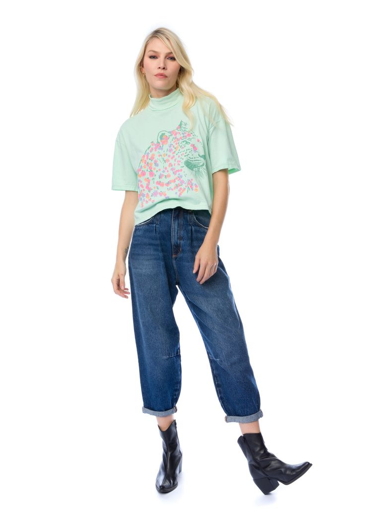 T-Shirt Myft gola onça/flores