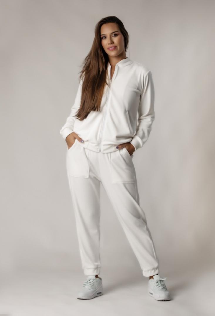 Conjunto Plush Comfy Jaqueta Mais Calça Branco