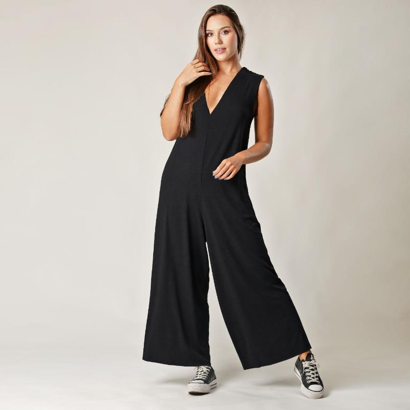 Macacão Comfy Regata Pantalona Preto