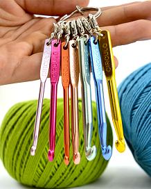 Chaveiro mini agulhas de crochê   - AmiMundi