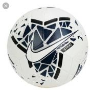 Bola Nike Futebol de Campo Strike Ho19