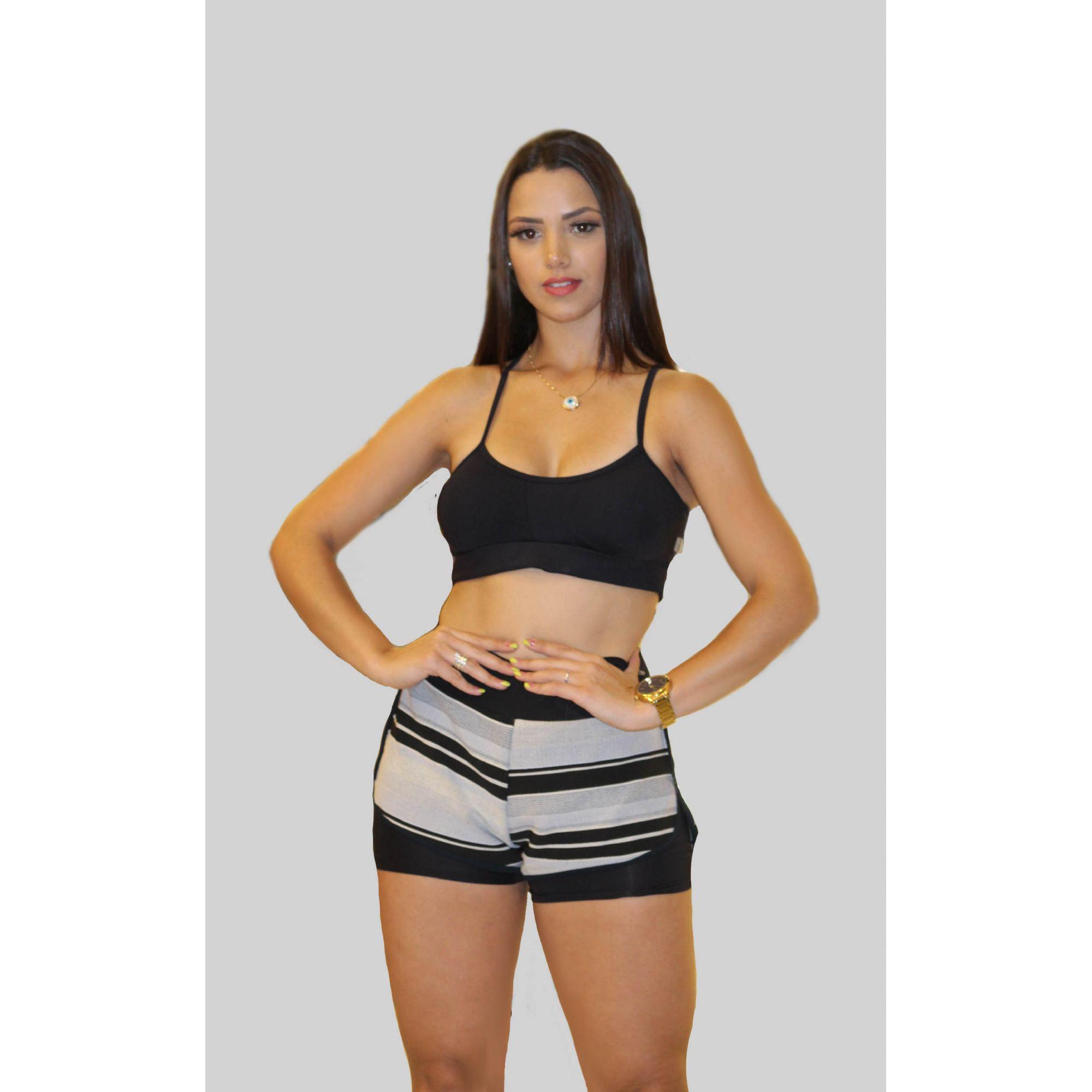 Shorts Sobreposto em Jacquard