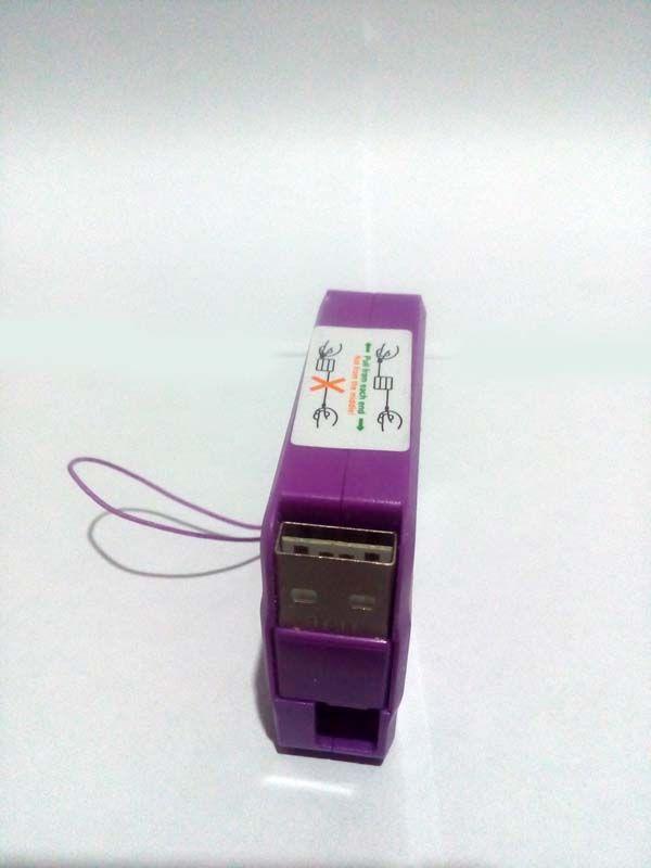 Cabo retrátil para Iphone 5 e 6 com 1 metro na cor lilás