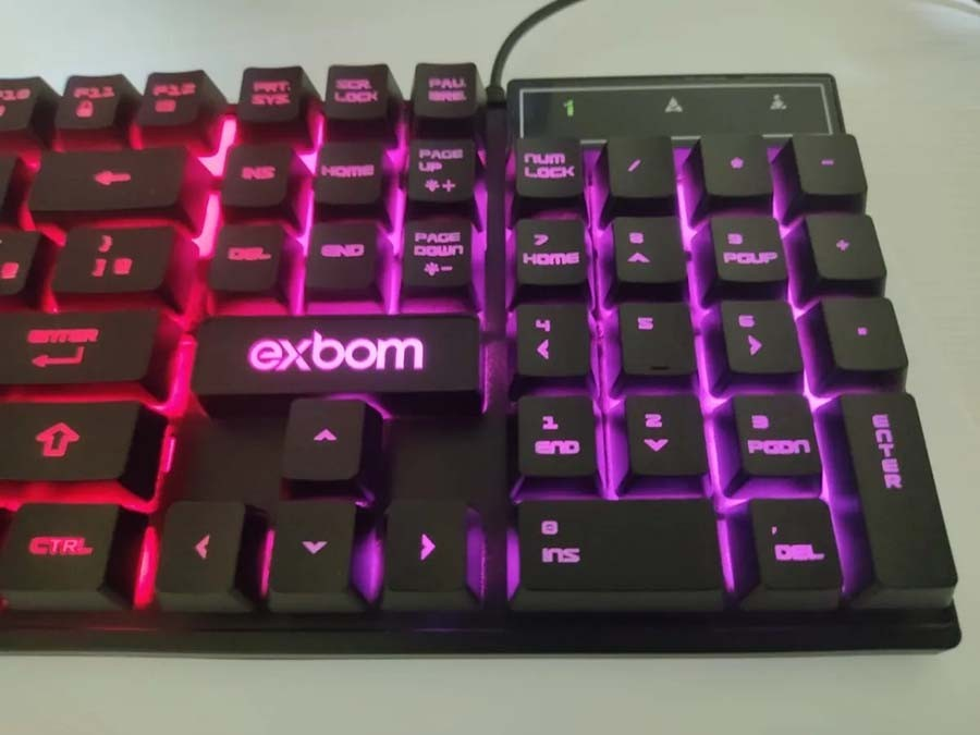 Kit Gamer teclado e mouse com iluminação LED