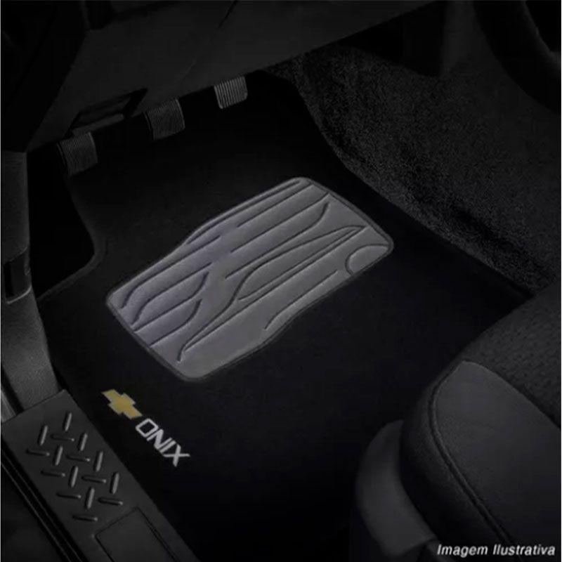 Jogo de Tapete Carpete para Chevrolet Onix 2012 a 2018 - Preto -